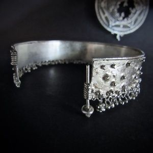 Anat perez Jewelry - Starling silver bracelet.Unique and stunning.